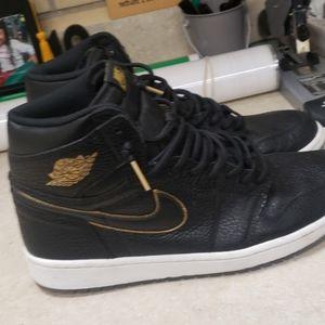 Nike LA Laker Ones